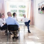 Comment animer une réunion à distance sinon en utilisant un système de visioconférence ?